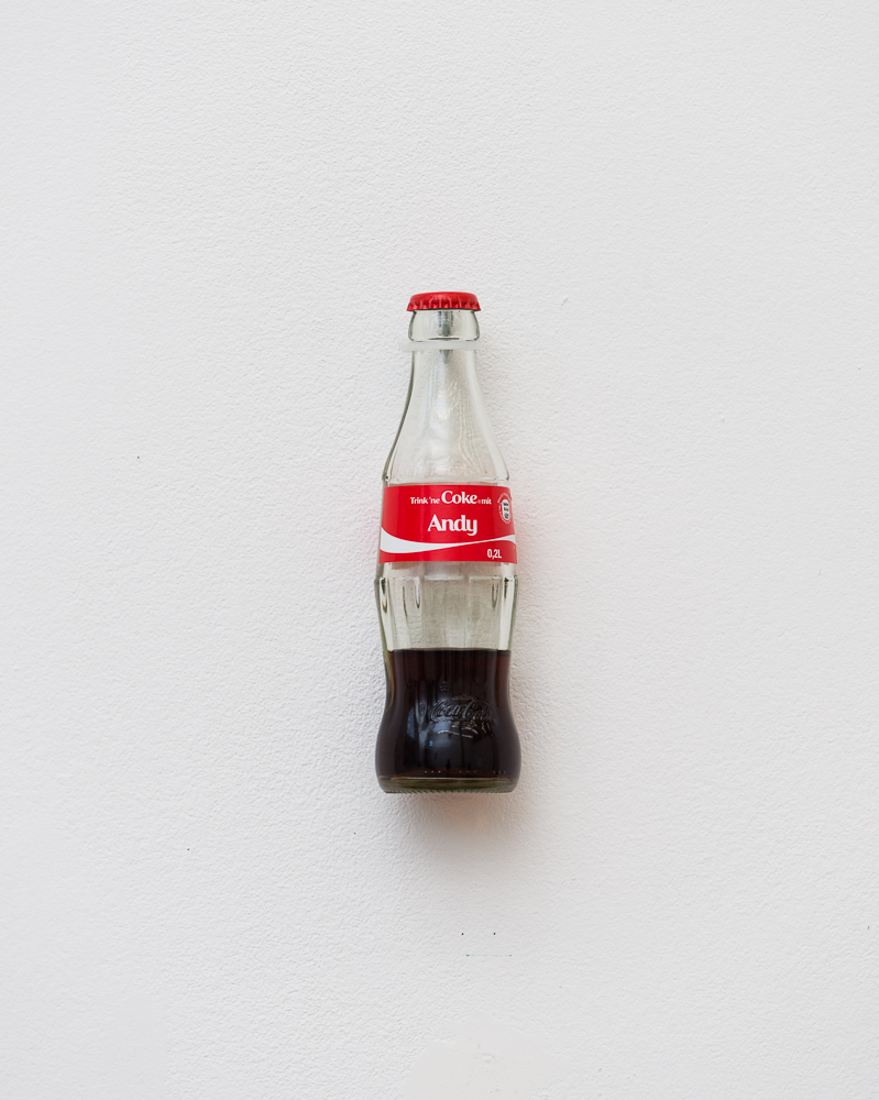 "Famed: Bottle of Pop. From the series ""10 Objekte ungeklärter Herkunft #7"", Coca Cola glass bottle, digital print, 2014"